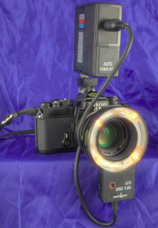Samigon ring flash on Nikon FE HDR by Flickr user Darron Birgenheier