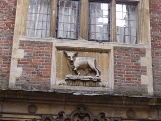 Blickling Hall - sculpture of a bull by Flickr user ell brown