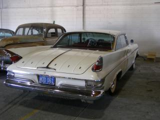 225-86 1961 DeSoto Adventurer 2dr Hard Top by Flickr user bsabarnowl