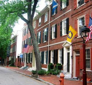 The street where Lorenzo Da Ponte lived, 500 block of Delancey, Philadelphia by Flickr user Scavenger49