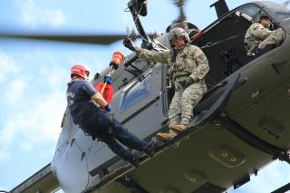 Aviators conduct advanced hoist training with Chesterfield first responders by Flickr user The National Guard