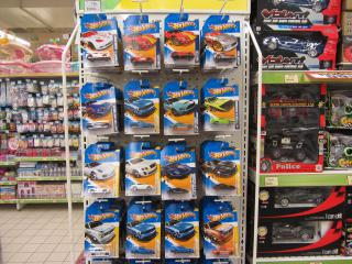 2012 Hotwheels Case L At Stores by Flickr user thienzieyung