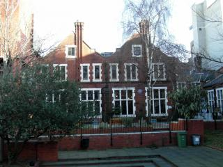 Toynbee Hall by Flickr user Reading Tom