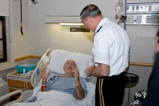 West Point Superintendent LTG Huntoon talks with Veteran Joseph Goodwin by Flickr user West Point - The U.S. Military Academy